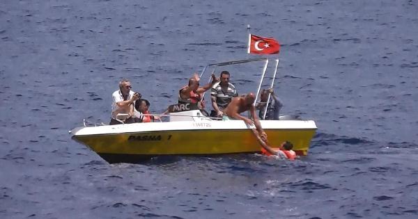 Denizde Kaybolan Kaçakları Arama Çalişmalari Sürüyor
