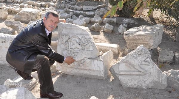 Denizli'De Anadolu Leopari'Nin 1800 Yillik Izi