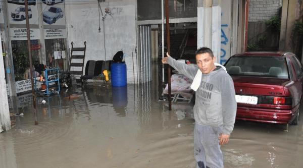 Denizli'de Yağmur Hayatı Olumsuz Etkiledi