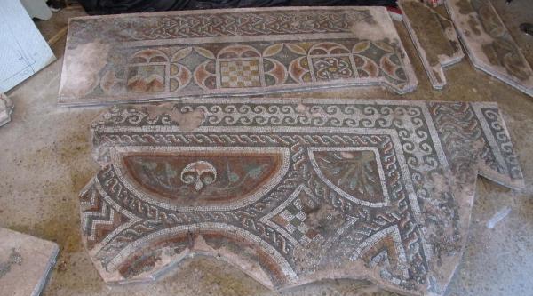 Depoda Bekletilen 2 Bin Yıllık Mozaik Restore Edildi