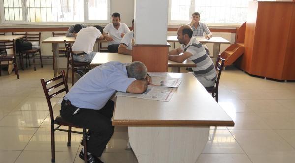 Derince'de Liman Özelleşti, Kamyoncular İşsizlikten Yakınıyor