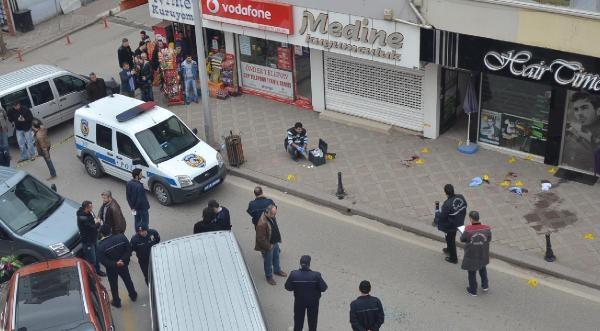 Derince'de Sürücü Kursu Sahibine Silahlı Saldırı: 4 Yaralı
