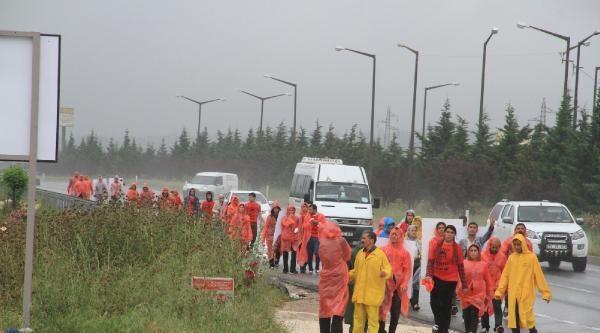 Dev Genç Grubu İstanbul'dan Bursa'ya Yürüdü