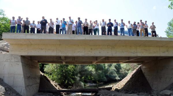 Devletin 50 Yılda Yapmadığı Köprüyü Köylüler 20 Günde Yaptı