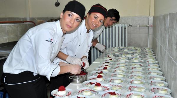 Devrek Meslek Yüksekolu'nda Uygulama Mutfağı Açıldı