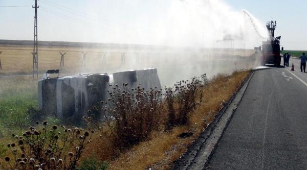 Devrilen Akaryakıt Yüklü Tanker Saatlerce Soğutuldu