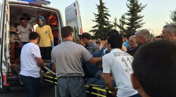 Devrilen Motosikletin Kasksız Sürücüsü Yaralandı
