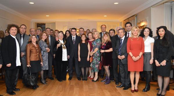 Dha Dış Haber - Londra Başkonsolosluğu'nda Nevruz Bayramı Kutlandı