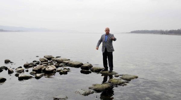 Dha, Sapanca Gölü'nde Definecilerin Talanını Görüntüledi