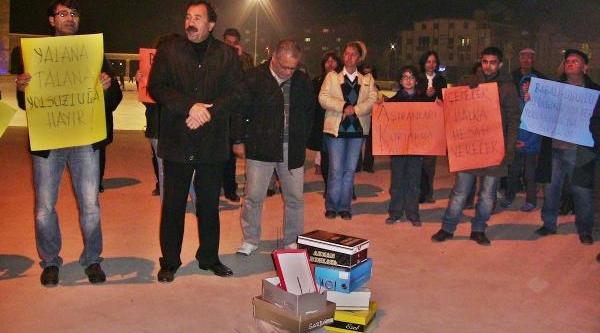 Didim'De 'var Misin, Yok Musun' Yarişmali Protesto