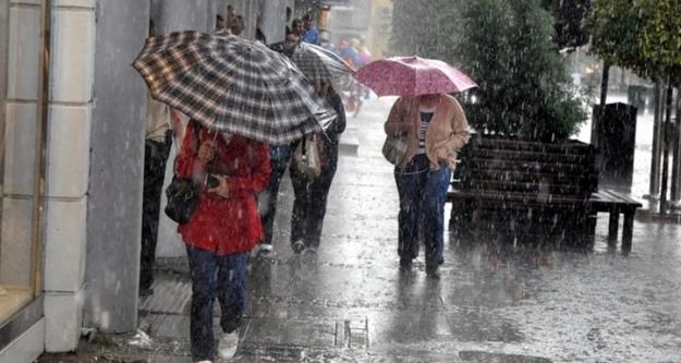 Dikkat! Meteoroloji'den kuvvetli yağış uyarısı...
