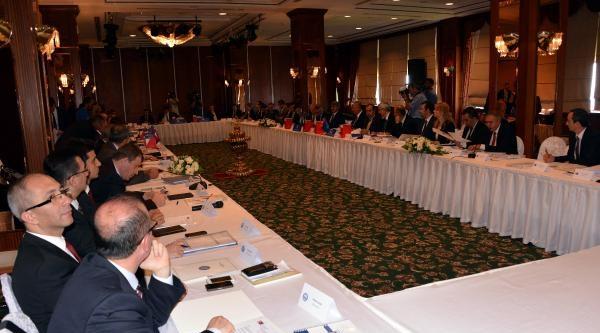 Dışişleri Bakanı  Davutoğlu: Gazze'den Alarm Haberleri Geliyor