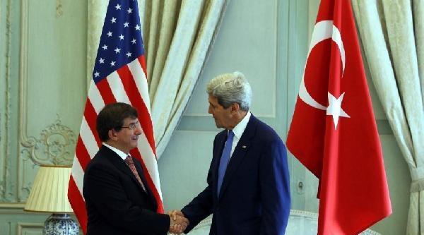 Dışişleri Bakanı Davutoğlu, Kerry İle Paris'te Bir Araya Geldi