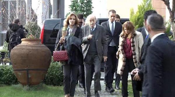 Dişişleri Bakani Davutoğlu, Suriye Ulusal Koalisyonu Temsilcileriyle Biraraya Geldi