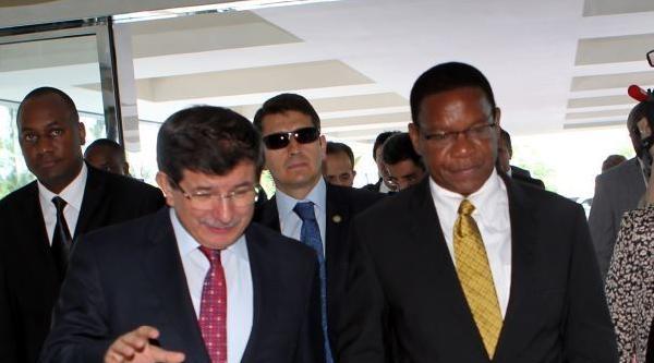 Dışişleri Bakanı Davutoğlu Tanzanya'da