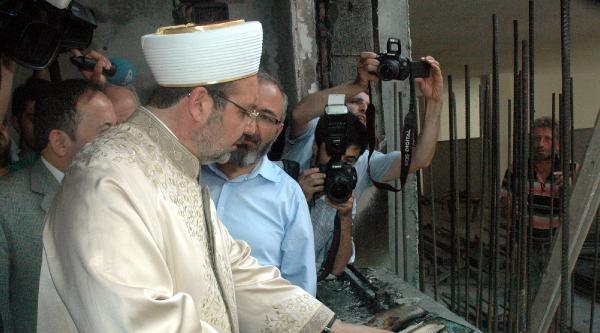 Diyanet İşleri Başkanı Mehmet Görmez Yanan Camii Ziyaret Etti(fotoğraflar)