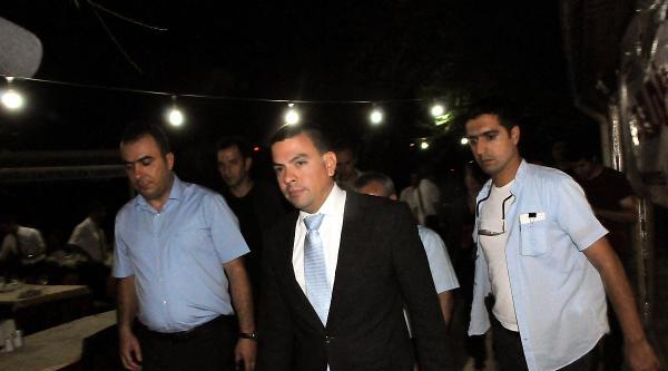 Diyarbakır'da Abd Konsolosluğu'nun İftar Çadirina Saldırıp Yıktılar (3)