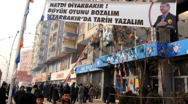Diyarbakir'da Başbakan Erdoğan'a Destek Gösterisi