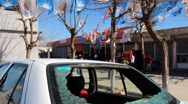 Diyarbakır'da Bdp Ve Ak Partililer Arasında Kavga: 10 Yaralı