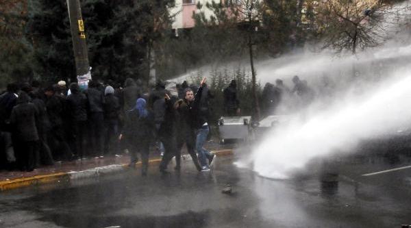 Diyarbakir'da Bombali Saldiri: 4 Polis Yaralandi