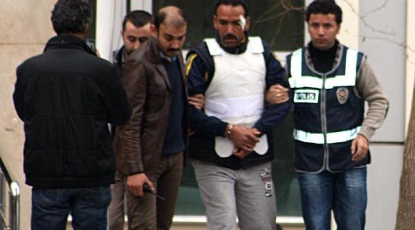 Diyarbakir'da Kardeş Kavgasi: 1 Ölü, 2 Yarali