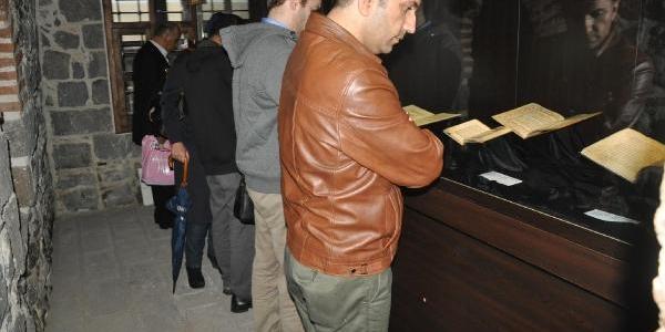 Diyarbakir'da Mukkaddes Miraslar Sergisi Açildi