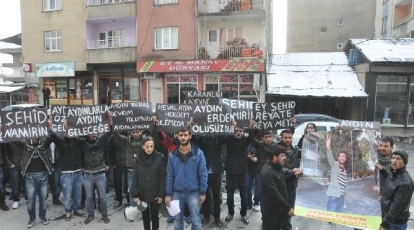 Diyarbakir'da Ölen Aydin Erdem Için Hakkari'de Eylem