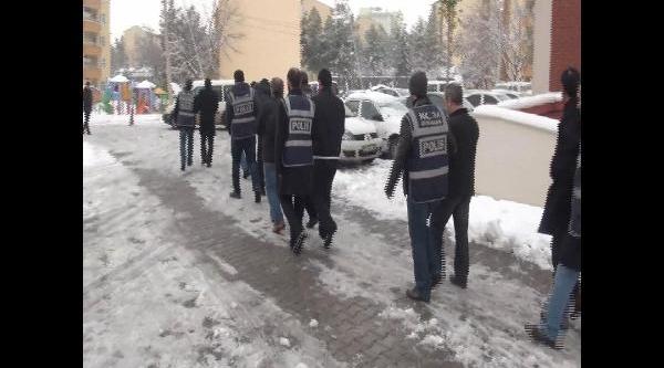 Diyarbakir'da Tefecilik Çetesine Operasyon