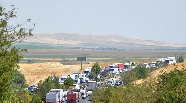 Diyarbakır'da Trafik Kazasında 3 Polis Şehit Oldu (2)