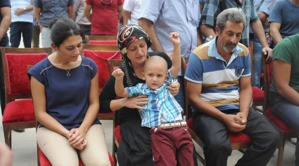 Diyarbakır'daki Kavgada 1 Polis Öldürüldü (3)