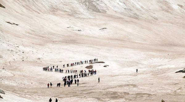 Doğa Yürüyüşüne Katılanlar Dört Mevsimi Bir Arada Yaşadılar