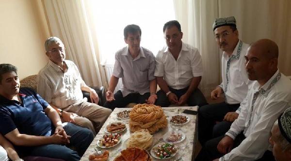 Doğu Türkistanlıların Buruk Bayramı