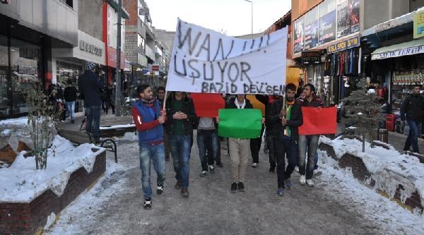Doğubayazit'ta, Bdp'lilerden 'van' Için Üstü Çiplak Eylem