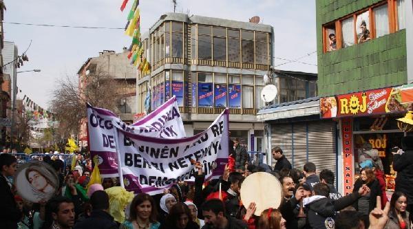 Doğubayazıt'ta Kadınlar Günü Sokakta Kutlandı