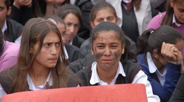Doğubayazıt'ta Liselilerden 'soma' İçin Oturma Eylemi