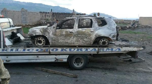 Doğubayazıt'ta Teröristler 6 İşçiyi Kaçırıp, 3 Aracı Da Yaktı
