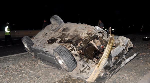 Doğum Günü Kutlamaya Giden Gençler Kaza Yaptı: 4 Yaralı
