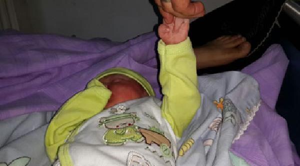 Doğum Sırasında Bebeğin Kolu Çikti İddiasi