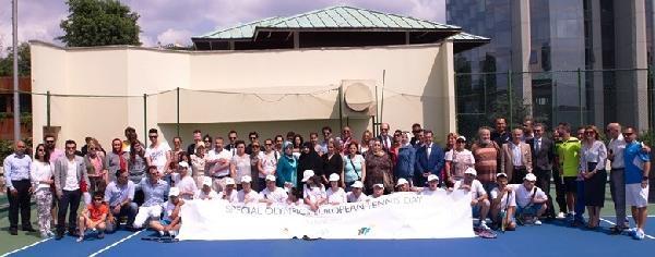 'down Sendromlu' Çocuklar İçin Tenis Turnuvası Düzenlendi