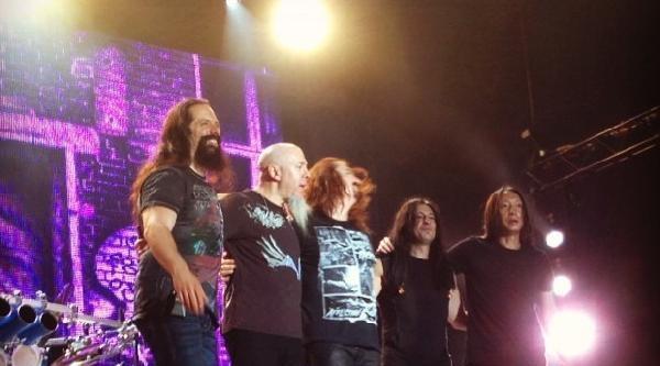 Dream Theater Büyüledi