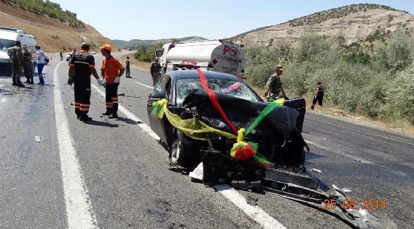 Düğün Konvoyunda Kaza: 1 Ölü, 8 Yaralı