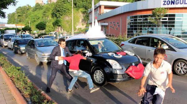 Düğün Konvoyunun Önünü Kesen Çocuğu Döven Mühendise Gözaltı
