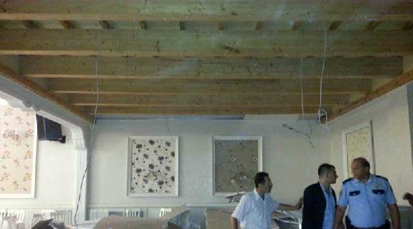 Düğün Salonunun Asma Tavanı Davetlilerin Üzerine Çöktü 6 Yaralı