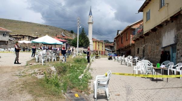 Düğünde Havaya Ateş Açıldı, Köy İmami Vuruldu