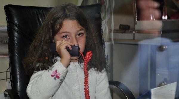 Dükkanda Kilitli Kalan Küçük Kız Polisten Yardım İstedi