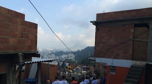 Dünya Kupası İçin Yapılan Köprü Çöktü: 2 Ölü, 20 Yaralı