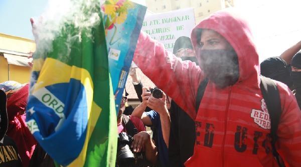 Dünya Kupası Karşıtlarının Eylemine Polis Müdahalesi