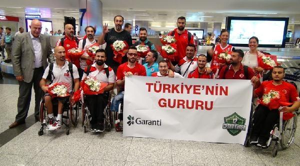 Dünya Üçüncüsü Tekerlekli Sandalye Basketbol A Milli Takımımız Yurda Döndü