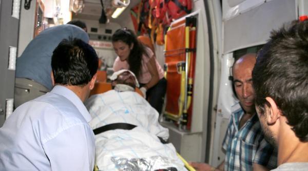 'dur' İhtarina Uymayan Minibüs Sürücüsü Açılan Ateşte Yaralandı