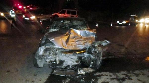 'dur' Ihtarina Uymayan Sürücü Kaza Yapti: 6 Yarali